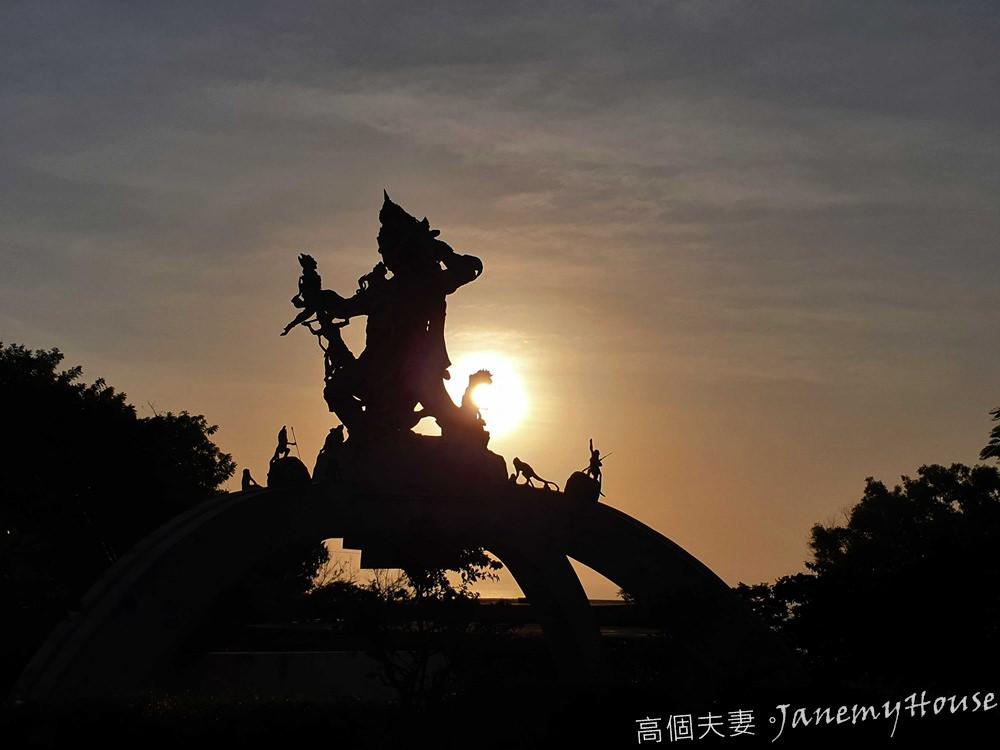 【峇里島Bali】 巴里島六大神廟整理、烏魯瓦圖小海神廟介紹:一次享受浪漫斷崖、夕陽、猴子與火舞