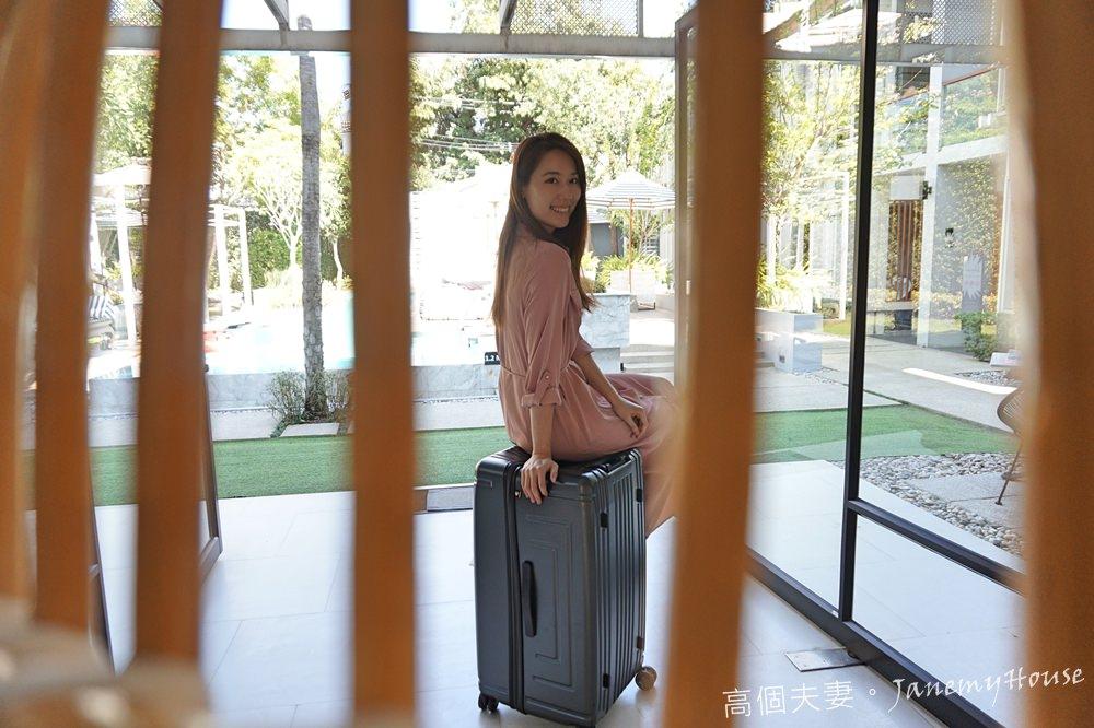 BERMAS戰艦箱行李箱推薦,代購、親子旅行的好幫手 – 30吋超輕大容量、獨創專利無拉桿設計,讓行李箱更聰明