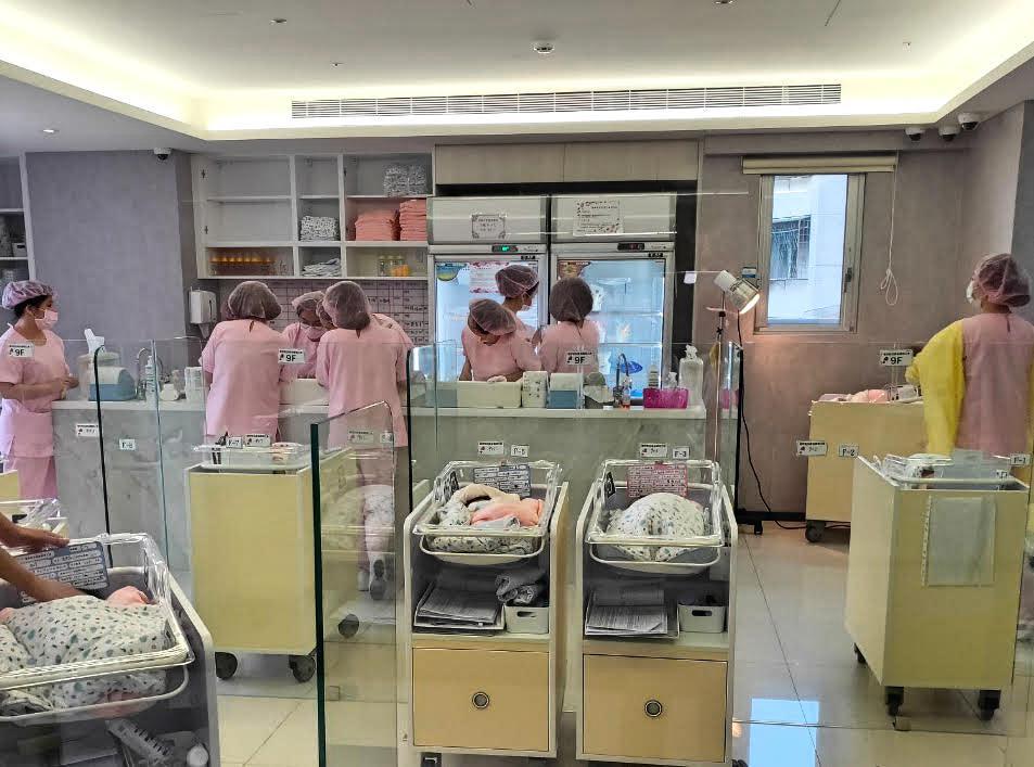 環球敦品產後護理之家嬰兒房