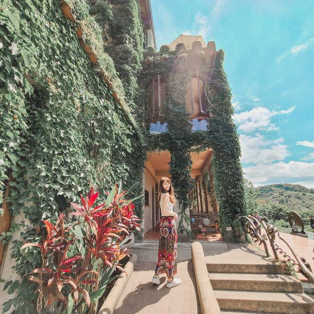 不能出國開始在國內趴趴走 這裡拍照好像一秒到國外 可是只限拍照哈哈哈  #珍米苗栗遊 #天空之城 #天堂古堡 #travel #igtravel #traveldiaries #sky #travelblogger #castle